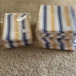Brand new kitchen linen set